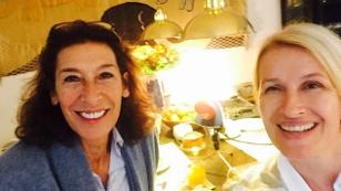 Adele Neuhauser frühstückt mit Claudia Stöckl