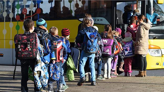 Schulbus Schüler