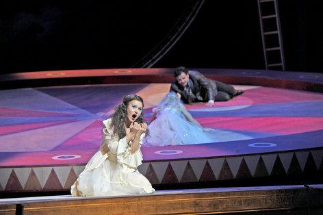 La Traviata    Originaltitel: Regie: Rolando Villazón