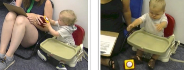 Ein Baby gibt ein Spielzeug seiner Mutter (li.) bzw. schmeißt es auf den Boden