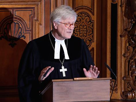Der Bischof und Ratsvorsitzende der Evangelischen Kirche in Deutschland (EKD), Heinrich Bedford-Strohm predigt auf der Kanzel
