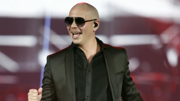 Rapper Pitbull bei einem Auftritt