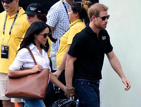 Prinz Harry und Meghan Markle halten Händchen