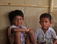 Kinder in einem indischen Slum
