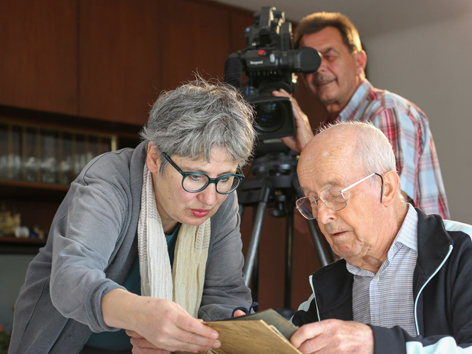 Regisseurin Ruth Deutschmann, Anton, Kameramann Franz Posch.
