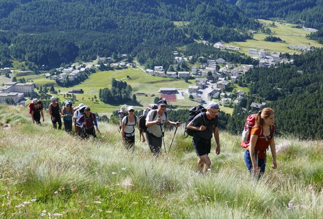 Forscher durchwandern die Alpen