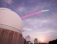 Teleksop einer Bodenstation nimmt Verbindung mit Satelliten auf