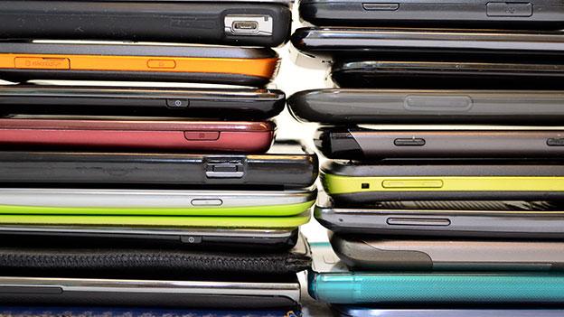 Alte Smartphones Wundertüte
