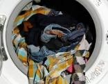 06.10.17 orf3 themenmontag Der ORF III Kleidercheck | Markencheck: H&M | Was wir wirklich tragen - Unsere Kleidung | Alte Kleider, neues Geld 091017 021017