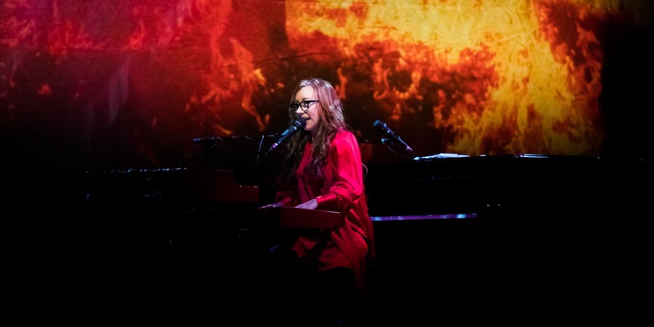 Tori Amos am Flügel