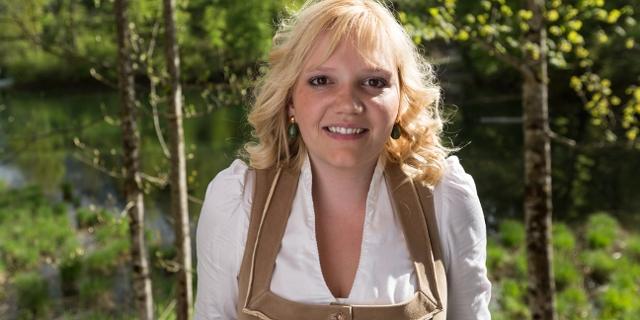 Elisabeth Feichtinger in Tracht
