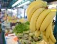 Bananen in einem Supermarkt