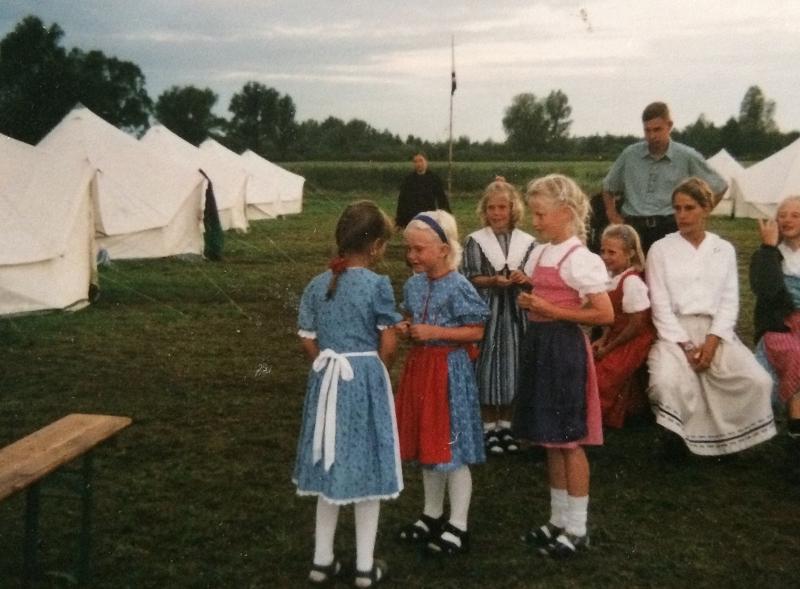 Kinder beim Neonazi-Volksfest