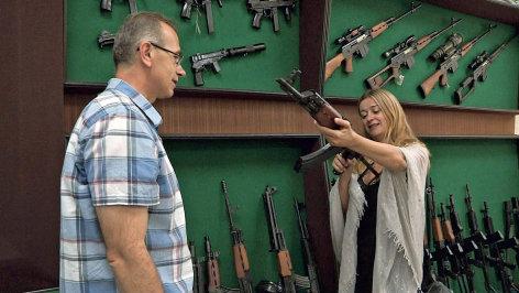 Im Brennpunkt  Kalaschnikows für Terroristen: Waffenschmuggel in Europa