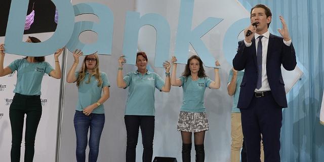 Sebastian Kurz und Unterstützerinnen
