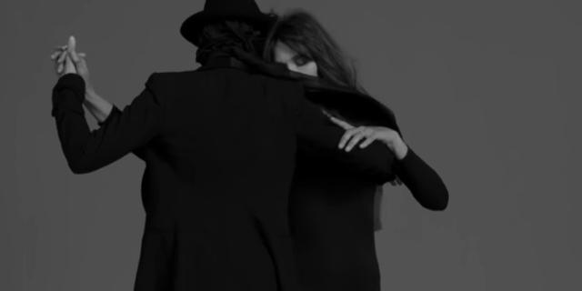 Carla Bruni tanzt mit Partner