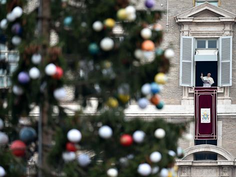 Der Christbaum auf dem Petersplatz 2016