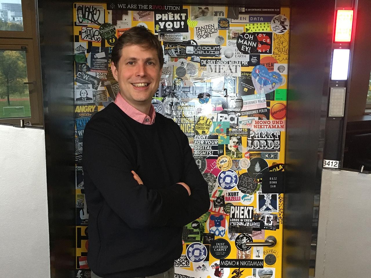 Daniel Kehlmann vor dem FM4 Studio