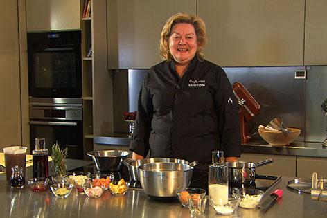 Maria Egger in der Küche des Engelhardtgutes