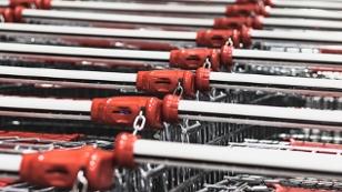 Einkaufen am Black Friday: Einkaufswagen.
