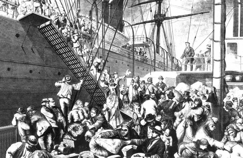 Deutsche besteigen Schiff in Hamburg, um nach Übersee zu reisen