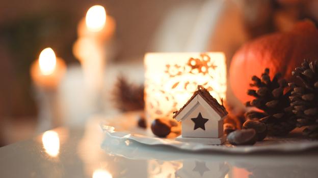 Kerze zum Advent und Weihnachten