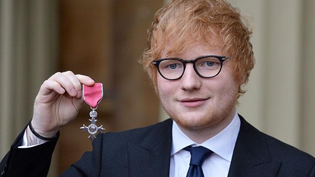 Ed Sheeran mit seinem Verdienstorden