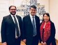Der wiedergewählte IKG-Präsident Oskar Deutsch (Mitte), Vizepräsident Dezoni Dawaraschwili (links) und Vizepräsidentin Claudia Prutscher (rechts)