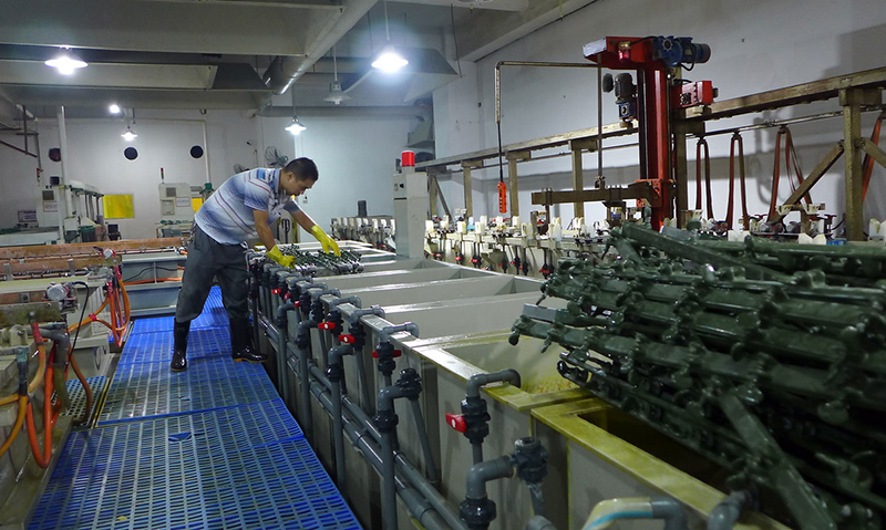 Produktion in einer Elektronikfabrik in Shenzhen, China