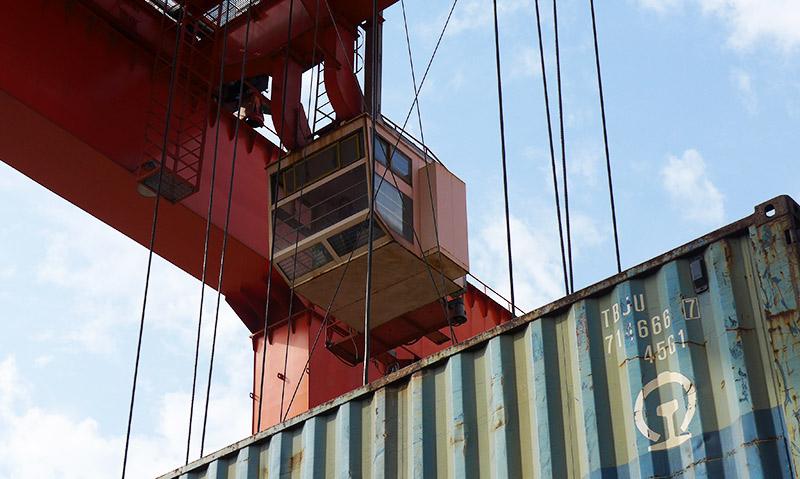 Kranführerein in Containerkran