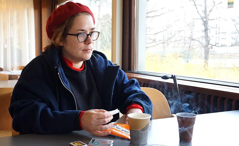 Stefanie Sargnagel in der Funkhaus-Kantine