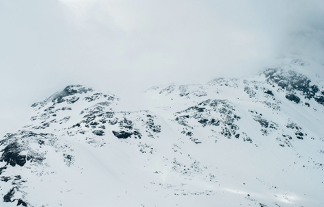 Schnee und Sturm
