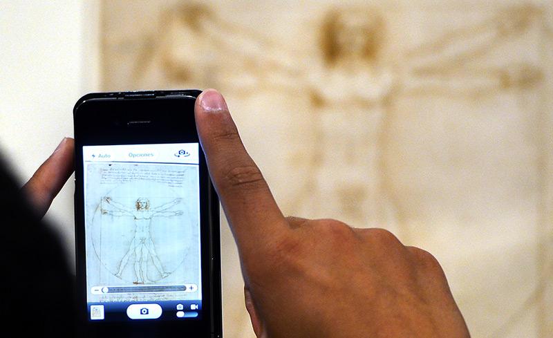 Der vitruvianische Mensch von Michelangelo - aktuell fotografiert mit einem Handy