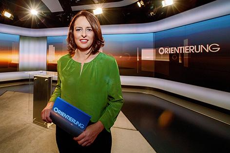 """Orientierung""-Moderatorin Sandra Szabo"