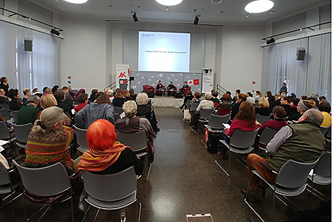 Veranstaltung zum Thema Kopftuch als Projektionsfläche in der Arbeiterkammer Wien