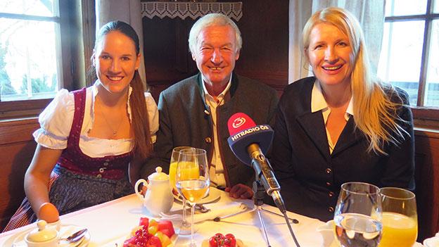 Balthasar und Elisabeth Hauser mit Claudia Stöckl