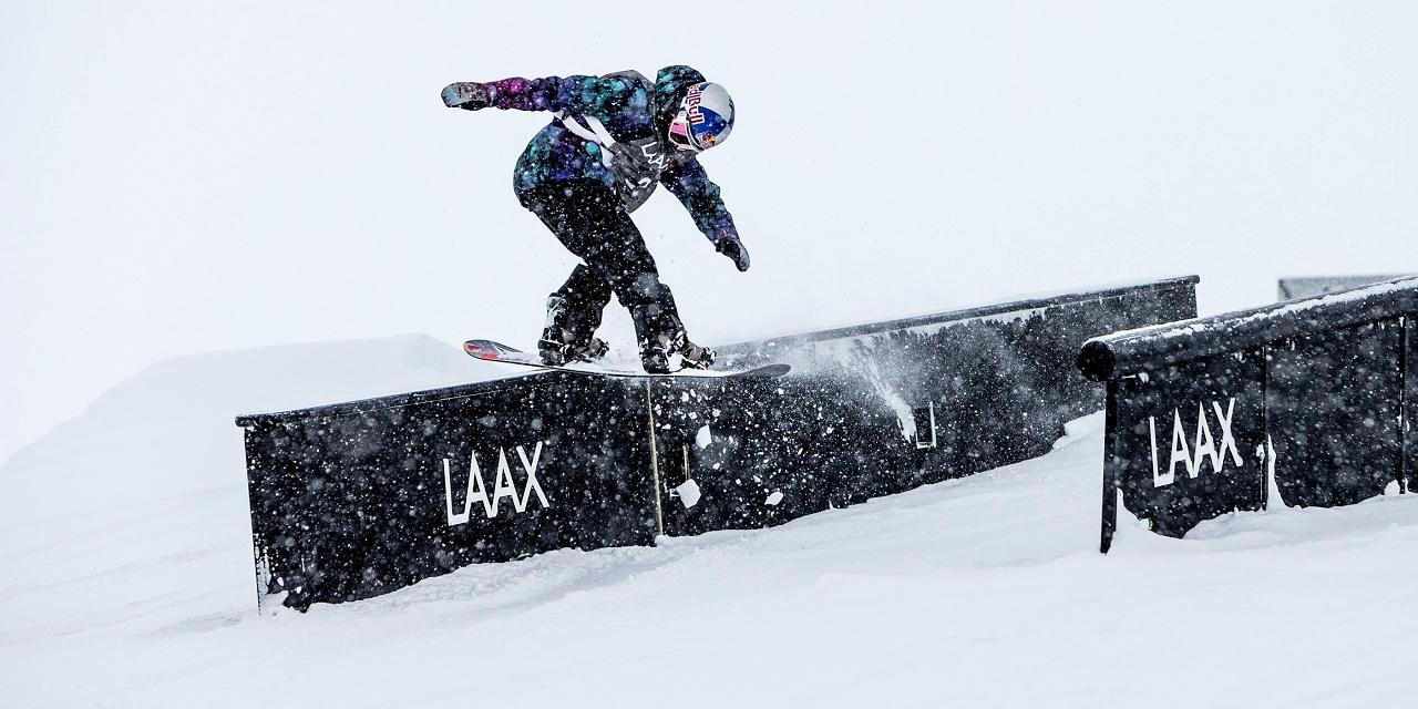 Snowboarder in Laax