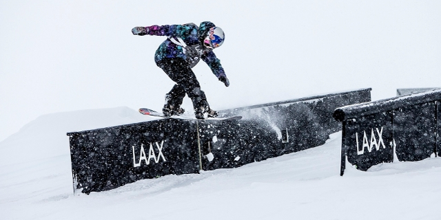 Snowboarder in Laax