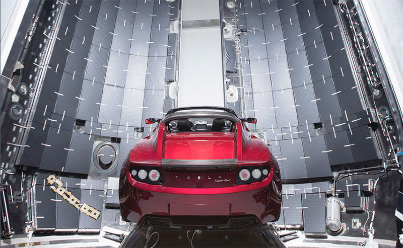 Falcon Heavy: SpaceX-Großrakete schießt Tesla-Roadster ins All