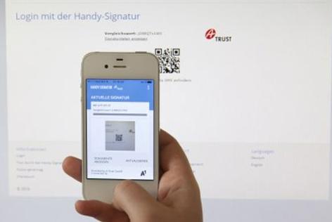 Handy mit Signatur Oberfläche