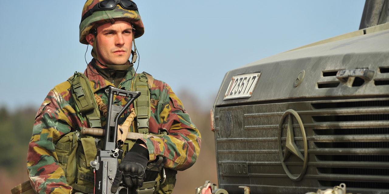 Belgischer Soldat bei Einsatzübung