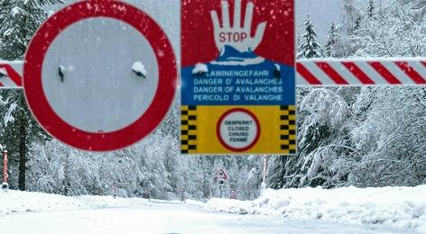 Stopschild Lawinenwarnung