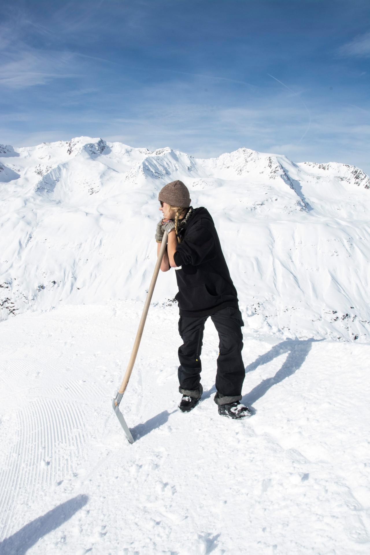 Snowboard Kicker Shaperinnen in Obergurgl