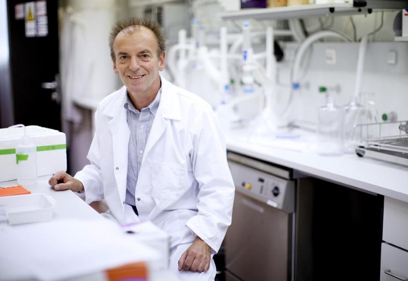 GERHARD HERNDL in einem Labor