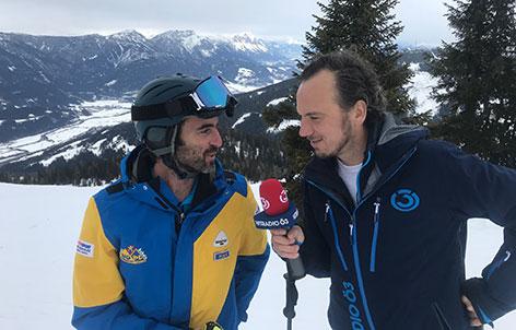Ö3-Reporter Johann Puntigam mit Skilehrer Karli