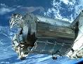 Weltraumlabor Columbus schwebt über der Erde
