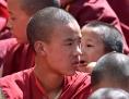 Junge tibetanische Mönche im indischen Exil