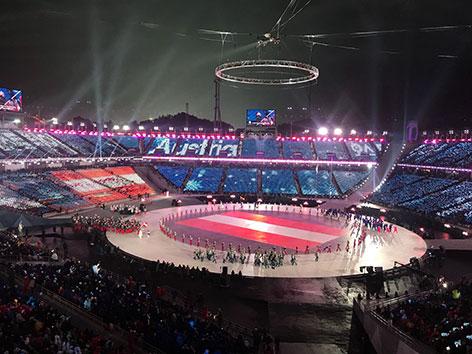 Österreichisches Team zieht ins Olympische Stadion ein