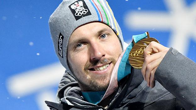 Marcel Hirscher mit seiner Goldmedaille im Rahmen der Siegerehrung der Alpinen Kombination der Herren in Pyeongchang.