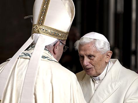 Papst Franziskus und Benedikt XVI.